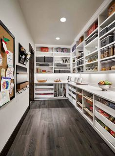45 Gorgeous Walk-In Kitchen Pantry Ideas (Photos) Incredible collection of walk-in kitchen pantries . 45 Gorgeous Walk-In Kitchen Pantry Ideas (Photos) Incredible collection of walk-in kitchen pantries . Small Kitchen Pantry, Pantry Room, Kitchen Pantry Design, Walk In Pantry, New Kitchen, Kitchen Decor, Kitchen Pantries, Small Kitchens, Kitchen Ideas