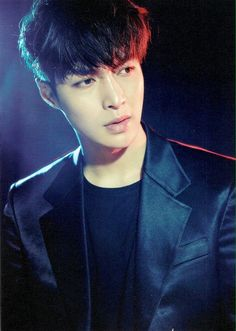 Photocard for EXO's tour 'The EXO'rDIUM' - Lay