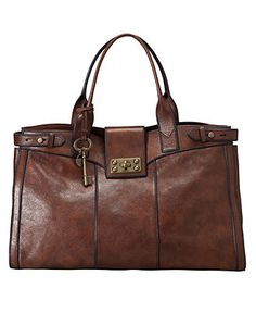 Fossil is way cooler than it used to be - just look at this awesome vintage weekender, for gals. Loads of different bags and wallets, and stuff for both guys and girls. Definitely a present any bag fan would treasure. Fossil Handbags, Fossil Bags, Satchel Handbags, Purses And Handbags, Shopper, Vintage Handbags, Vintage Bags, Online Bags, Leather Purses