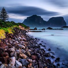 A spectacular long exposure photo shot by Peter from Old Town Photography showing Lord Howe Island, Australia in all its glory! - Click the image to book your luxury island getaway! Time In Australia, Western Australia, Cairns Queensland, Long Exposure Photos, Australian Continent, Airlie Beach, Natural Phenomena, Great Barrier Reef, Tasmania