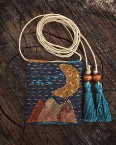 Boro Stitching, Handmade Items, Handmade Gifts, Textile Jewelry, Wooden Beads, Needle Felting, Needlework, Textiles, Needlecrafts
