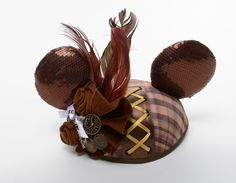 "Holy crap. LOVE these coture Minnie Mouse Ears. ""The Year of the Ear"" at Walt Disney World. SO want these!"
