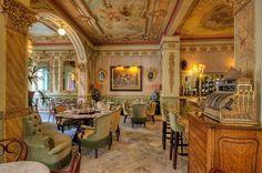 Café Royalty, Cádiz (España).  Oda al Café y a las Cafeterías Más Adictivas de España.