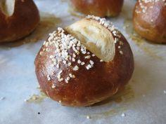 Pretzel bread -- machine recipe