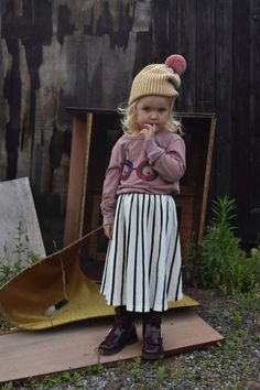 Although Summer just started here in Belgium, we are so VERY thrilled with our first new AW 16/17 Bobo Choses outfit from ORANGE MAYONNAISE. Jeanne loves (and that is only and understatement) the s...