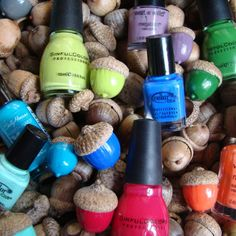 DIY: coloured acorns  -  Manualidades: bellotas coloreadas