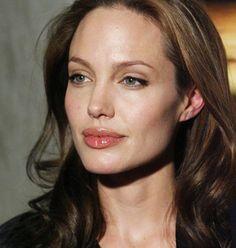 Image in Angelina Jolie collection by SOph on We Heart It Angelina Jolie Images, Angelina Jolie Makeup, Angelina Joile, Angelina Jolie Style, Jennifer Love Hewit, Nastassja Kinski, Jolie Pitt, Celebs, Celebrities