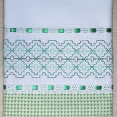 Embroidery Stitches, Hand Embroidery, Machine Embroidery, Huck Towels, Swedish Weaving Patterns, Swedish Embroidery, Cross Stitch Patterns, Needlework, Diy And Crafts