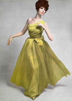 Photo: Philippe Pottier, Grès, Spring 1961 fashion evening gown one shoulder long dress green chartreuse chiffon silk color photo print ad model magazine designer couture Sixties Fashion, 60 Fashion, Colorful Fashion, Vintage Fashion, Fashion Fall, Fashion Models, Vintage Inspired Dresses, Vintage Dresses, Vintage Outfits