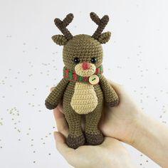 Cuddle Me Reindeer crochet pattern - printable PDF