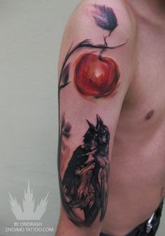 Men's shoulder apple tattoo, Red and green apple tattoos Bad Tattoos, Great Tattoos, Life Tattoos, Unique Tattoos, Beautiful Tattoos, Body Art Tattoos, Apple Tattoo, Mens Shoulder Tattoo, Tattoo Addiction