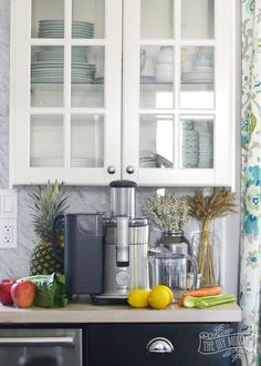 Make Healthy, Homemade Juice (+ The HomeSense Prive Event) Real Food Recipes, Diet Recipes, Homesense, Pinterest Diy, Kitchen Design, Juice, Veggies, Kitchen Cabinets, Homemade