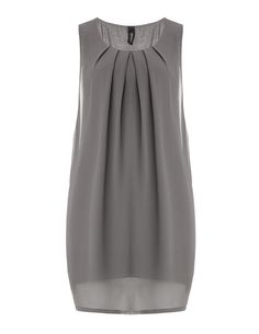 Chiffon dress with tucks by Yppig at navabi. Exclusive Dresses by Yppig for plus… Chiffon dress with tucks by Yppig at navabi. Exclusive Dresses by Yppig for plus size women Linen Dresses, Casual Dresses, Plus Size Dresses, Plus Size Outfits, Grey Chiffon Dress, Chiffon Dresses, Hijab Fashion, Fashion Dresses, Mode Glamour