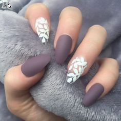 False nails have the advantage of offering a manicure worthy of the most advanced backstage and to hold longer than a simple nail polish. The problem is how to remove them without damaging your nails. Spring Nail Art, Nail Designs Spring, Spring Nails, Nail Art Designs, Nails Design, Unique Nail Designs, Clear Nail Designs, Purple Nail Designs, Spring Art