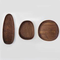 Forma Irregular Prato Japão Estilo de Madeira Natural da Noz preta Bandejas para Frutas/Doces Multi-Uso Decoração de Mesa Placas de alimentos  https://pt.aliexpress.com/item/Black-Walnut-Irregular-Shape-Dish-Plate-Japan-Style-Natural-Wood-Trays-for-Fruits-Candies-Multi-Use/32776977059.html?spm=2114.10010308.1000013.3.NWj6pE&scm=1007.13339.33317.0&pvid=feabefd6-542d-4c1f-8957-7411e605fc9b&tpp=1