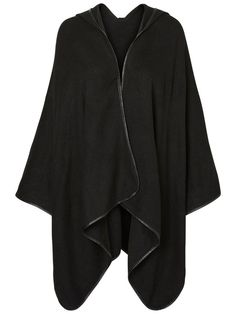 Cool knitted VERO MODA poncho. Perfect to wrap up in.