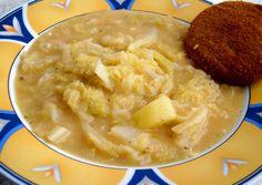 Kelkáposzta főzelék recept II Hungarian Cuisine, Hungarian Recipes, Hungarian Food, Cabbage Soup Recipes, Vegetarian Cabbage, Vegan Desserts, Food And Drink, Dishes, Cooking