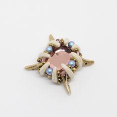 Tutoriel DIY étape 4 boucles d'oreilles printemps avec perles en verre Ava beads, crescent beads, toho beads et cristaux Swarovski