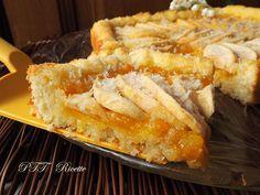 Crostata morbida al cocco con mele e marmellata, fatta senza burro e senza latte. #crostata #cocco #mele #marmellata  #senzaburro #senzalatte  #senzalattosio #ricetta #recipe #italianfood #italianrecipe #PTTRicette