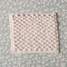 Snowbobbles Dishcloth by Gillian Grimm. Free Pattern