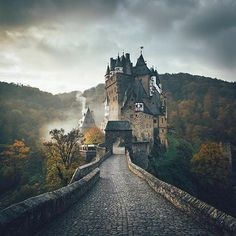 Medieval Eltz Castle  Photo by @lennart  via ✨ @padgram ✨(http://dl.padgram.com)