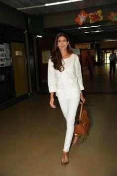 Juliana Avada First Lady of Argentina White Fashion, Love Fashion, Womens Fashion, Spring Summer Fashion, Spring Outfits, Casual Outfits, Fashion Outfits, Casual Chic, Everyday Fashion