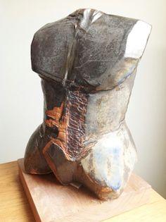Ceramica Gres VVG. Torso masculino.