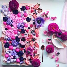 "5,978 Me gusta, 63 comentarios - caroline khoo   nectar & stone (@nectarandstone) en Instagram: ""Pavlova Dessert Painting: Flowers Unfolded. Have a beautiful day pretties """