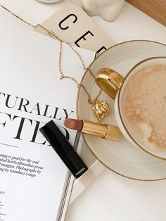 """𝒜 on Twitter: """"rich girl vibe… """" Cream Aesthetic, Aesthetic Coffee, Gold Aesthetic, Classy Aesthetic, Aesthetic Vintage, Aesthetic Photo, Aesthetic Pictures, Instagram Feed, Jewelry Photography"""