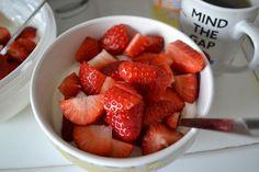 Frühstück (Magerquark + Milch + Erdbeeren)