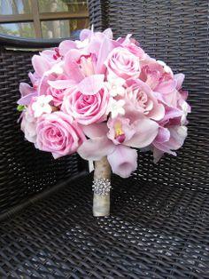Simple bridal bouquet pink bridesmaid flowers ideas for 2019 Orchid Bouquet, Bridal Bouquet Pink, Bridesmaid Flowers, Wedding Bouquets, Floral Wedding, Wedding Flowers, Send Flowers, Indian Wedding Planner, Color Rosa