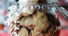Kukapa ei rakastaisi tahmeanrapeita pikkuleipiä? Ne säilyvät hyvin, joten voit pitää lasten kanssa leivontatalkoot jo pari viikkoa ennen joulua. Katso ohje täst