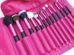 Coisas De Diva » Kit de pincéis Amazing Pink – Pink Gloss