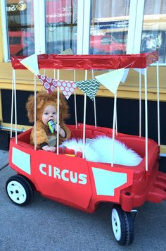 Harlow & Thistle: DIY Halloween - Baby Circus Lion - Babies first halloween