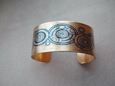 Lovely >> Gallifreyan bracelet, that is in all probability my absolute favorite Physician Who jewellery ...
