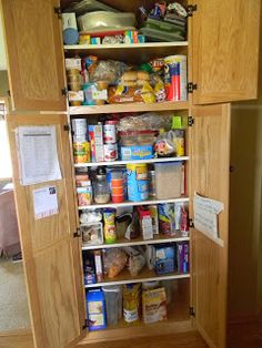 How they feed a family of 6 on 200 dollars a month, with example menus, shopping lists and amount spent on each items. And no, they don't eat dog food. AWESOME - and fits with what I pretty much already do (YES!)