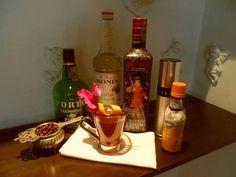 "Esta semana en el blog.  Un cóctelde nombre ""London Glory. http://nuevamixologiacolombiana.blogspot.com/2014/09/signature-cocktails-cxxxxvi-london-glory.html"