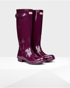 6c66c0e0d9 Hunter Rain Boots: Original Tall Gloss Rain Boots size 10 (bright plum or  the black version)