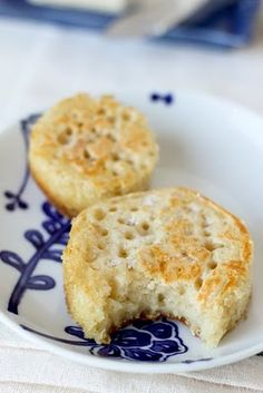 There are NO English muffins in England. There are crumpets. (True story - the English laugh at our American English muffins. Scones, English Crumpets, Homemade Crumpets, Pancakes, English Food, Brunch, No Bake Cookies, Naan, Bread Baking