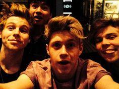 Niall Horan, Luke Hemmins, Ashton Irwin and Calum Hood