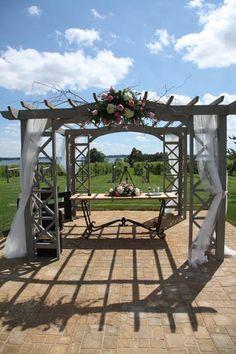 Wedding pergola. Sooo picturesque.    Images Copyright © 2012 Sovereign Estate Wine