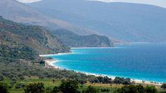 Borsh an der Küste in Albanien (Quelle: imago/Danita Delimont)
