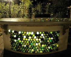 барная стойка декор стеклянными бутылками