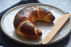 Kublanka vaří doma - Loupáky metodou Tang zhong Russian Recipes, Bagel, Bread, Food, Polish, Vitreous Enamel, Breads, Nail Polish, Bakeries