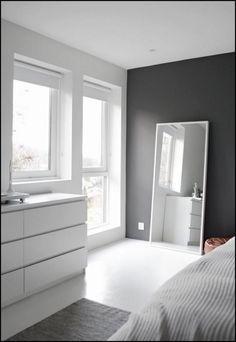 Bedroom styling - Best Warm Home Decor ideas Warm Home Decor, White Home Decor, Teen Room Decor, Home Decor Bedroom, Ikea Bedroom Design, Victorian Wall Decor, Minimal Bedroom, Bathroom Wall Decor, Bedroom Styles