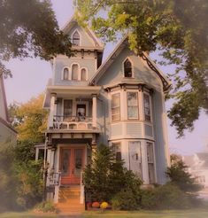 Style At Home, Victorian Architecture, Architecture Design, Casas The Sims 4, Belle Villa, Cute House, House Goals, Old Houses, Weird Houses