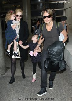 Keith Urban Nicole Kidman, Keith Urban and the rest of their family at LAX http://icelebz.com/events/nicole_kidman_keith_urban_and_the_rest_of_their_family_at_lax/photo1.html