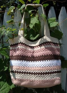 Crochet Bag Pattern...super cute...id actually carry this...too bad i dont crochet