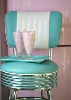Wish I had kept my bar stools! Purchase 4 for Breakfast Bar.