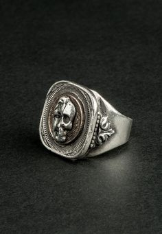Ring Double sided Vanity silver ring: half man half by Tantdavenir